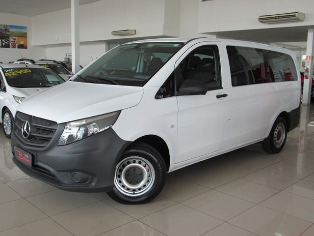 Mercedes-benz Vito CGI FLEX TOURER 119 CONFORT 9L 2.0 Branco, 4 portas, Manual, Gasolina e Álcool, 51.573km Seminovos