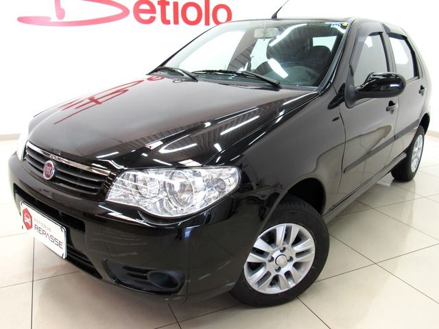 Fiat Palio Celebration 1.0 8V Fire Flex Preto, 4 portas, Manual, Gasolina e Álcool, 84.244km Seminovos